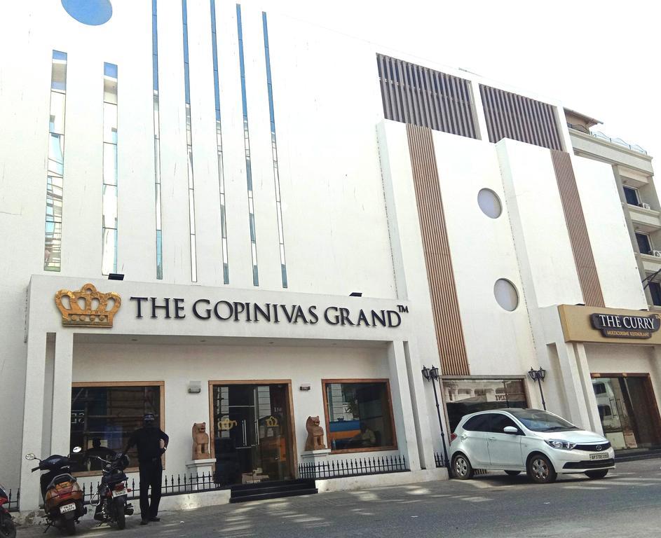 Hotel The Gopinivas Grand