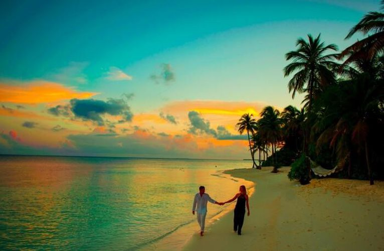4N Maldives - Holiday In...