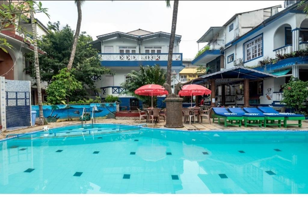 Lui Beach Resort - Cando...