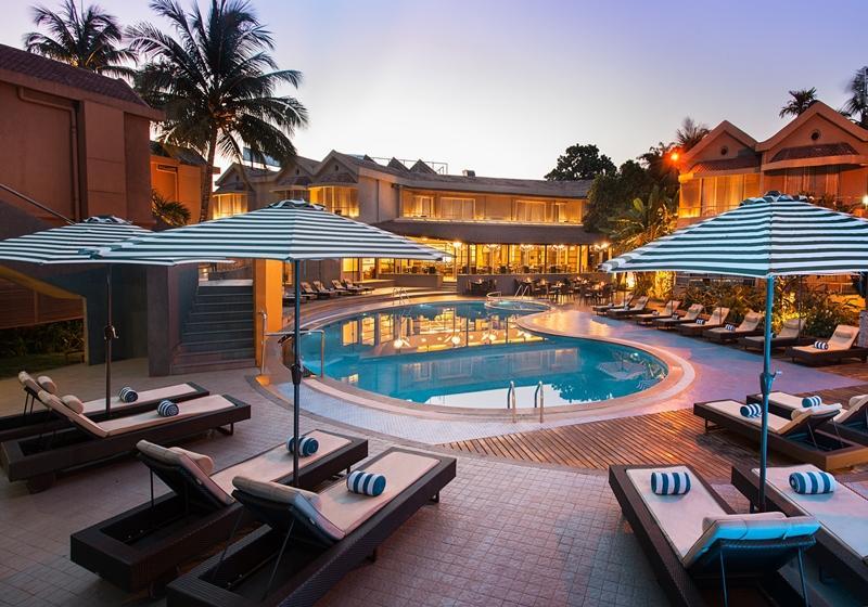 Whispering Palms Beach R...